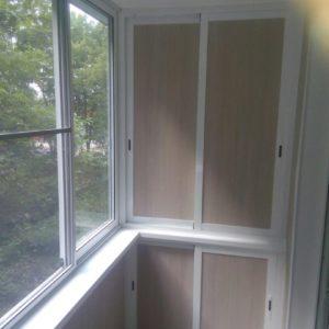 Шкаф на балкон во всю высоту от компании Любимый дом